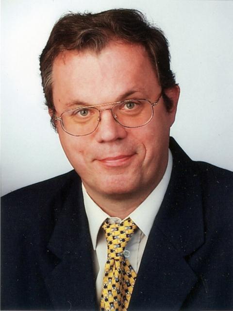 Lehrer Joachim P. nova-nachhilfe-akademie.de